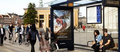 AFA JCDecaux - Læskærm med spiderman plakat i København