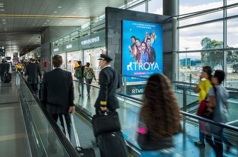 aeropuerto el dorado caja de luz salidas internacionales